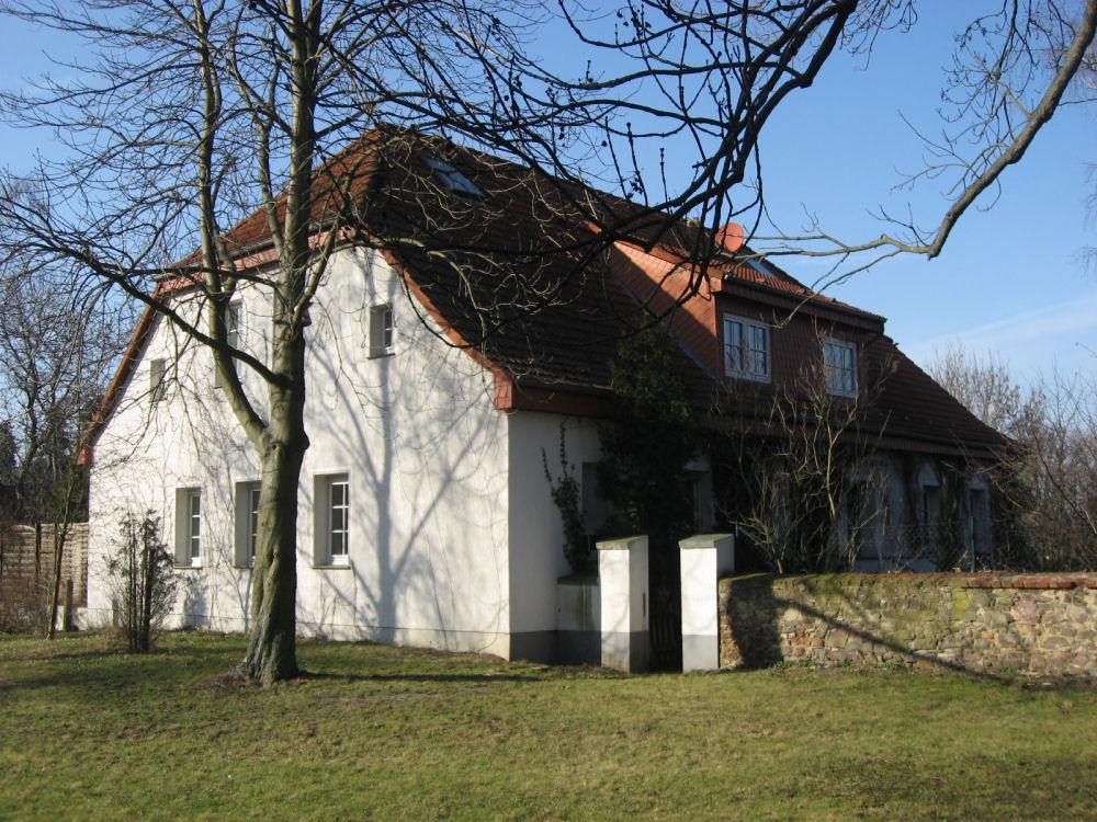 Großzügiges Landhaus auf parkähnlichem Grundstück nahe Magdeburg